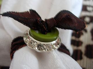 Button and ribbon napkin rings to make for a table setting