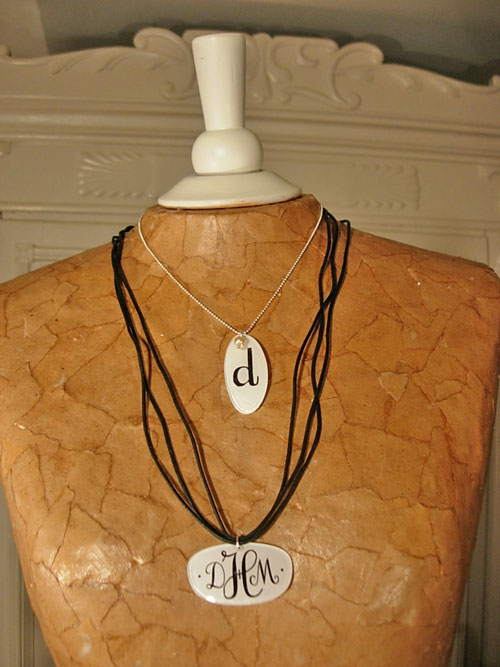 How to make monogrammed eyeglass jewelry