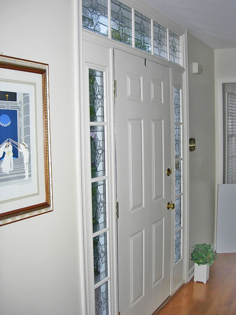 Door sidelight best 25 entry door with sidelights ideas for Front door with top window