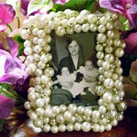 Handmade Gift Ideas: Vintage Necklace Frame
