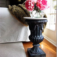 How to Repurpose an Urn into a Table