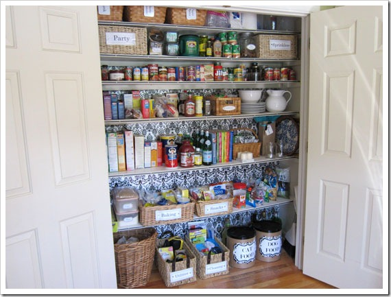 Giftwrapped-Pantry-Closet