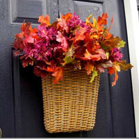 How to Easily Decorate Your Front Door For Fall
