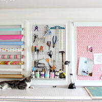 How to Add a Crown Molding to a Craft Room: Creative Wall #5