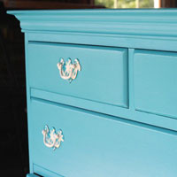 How to Paint Furniture:  Old Wooden Chest of Drawers