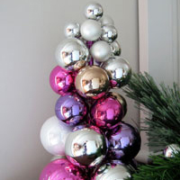 Christmas Tabletop Ornament Tree Using a Knitting Needle