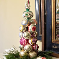 Christmas in a Minute: Ornament Tree