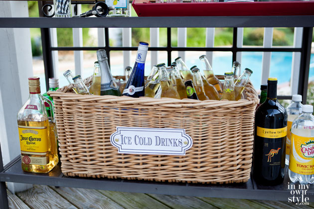 How-to-make-a-basket-into-a-cooler-for-party-drinks