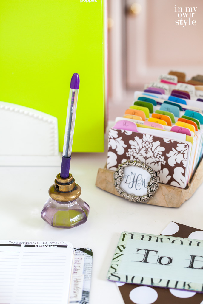 Doorknob-repurposed-into-a-pen-holder