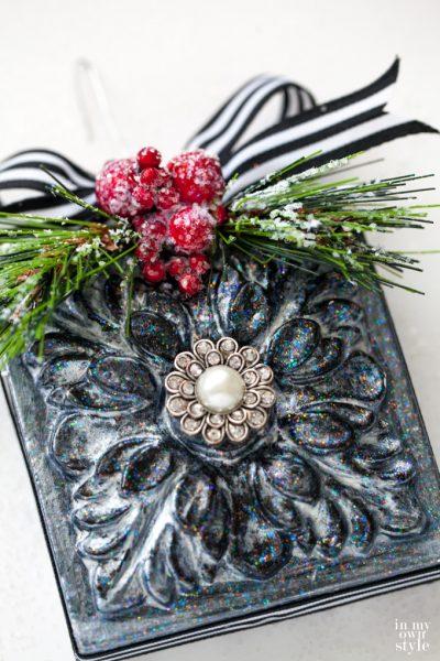 Acanthus Rosette Christmas Ornament