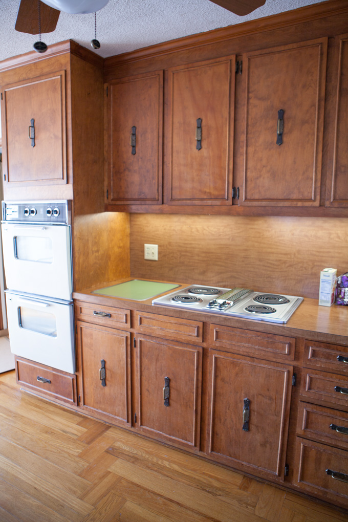 Kitchen-range-counter