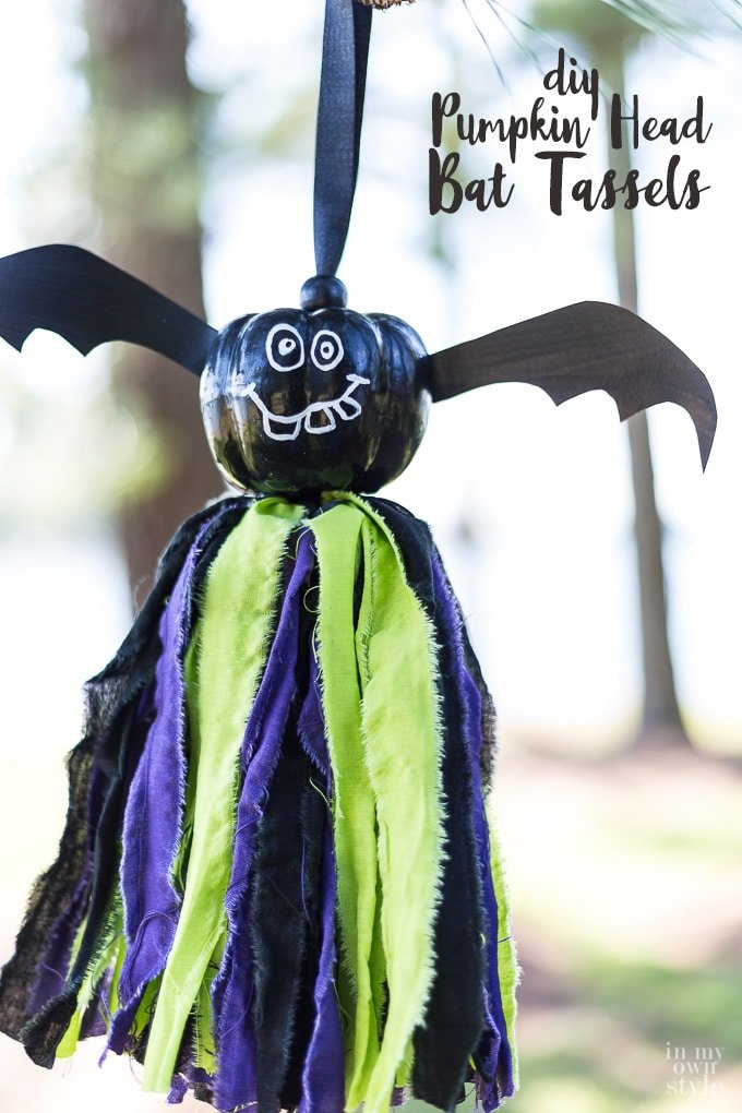 Cute Halloween decorations to make. Pumpkin head bat tassels. No sewing is needed!