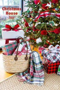 Christmas decorating ideas using red. Christmas house tours