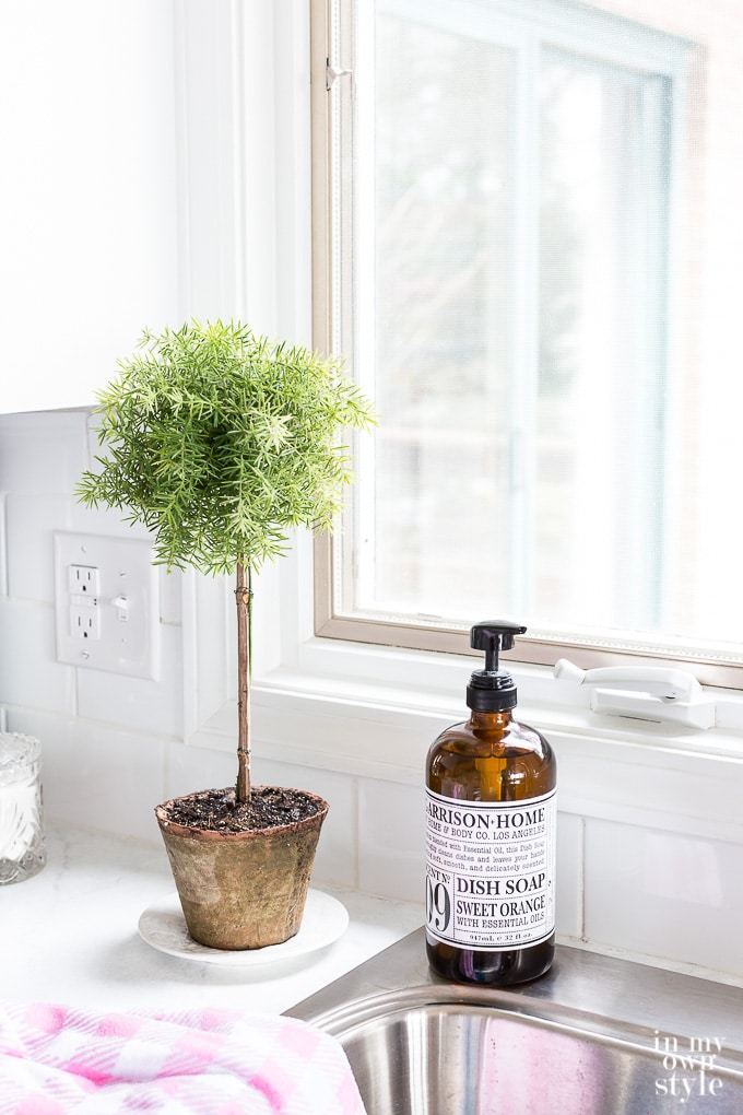 How to make a fake topiary that looks real for your kitchen counter
