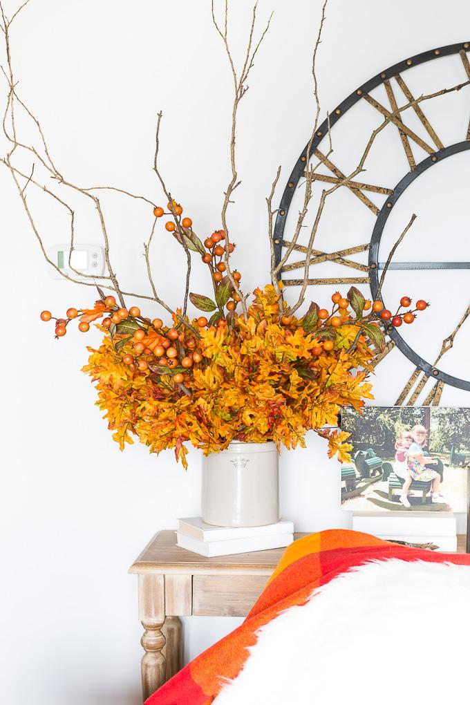 Easy autumn floral arrangement DIY