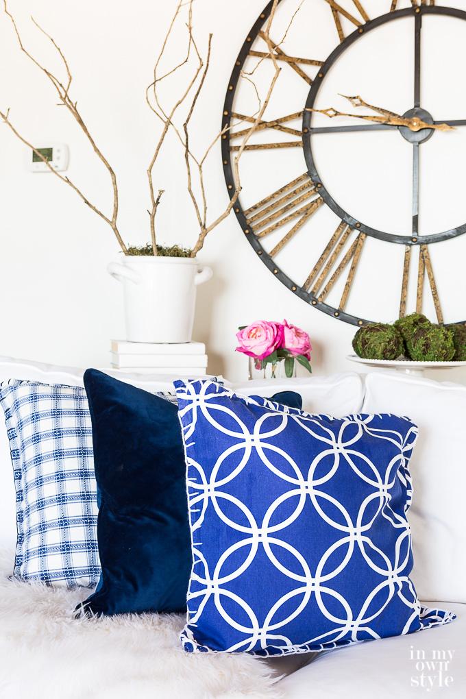 How to make a pillow cover using cloth napkins