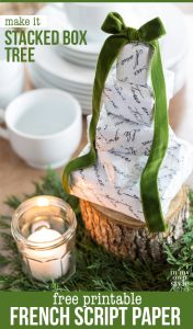 Christmas-Tree-Table-centerpiece-made-with-small-boxes-and-free-printable-of-French-Script-paper