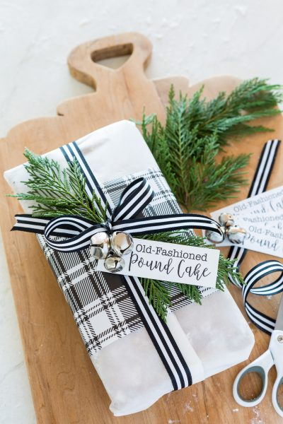 How to wrap a loaf cake or bread for Christmas