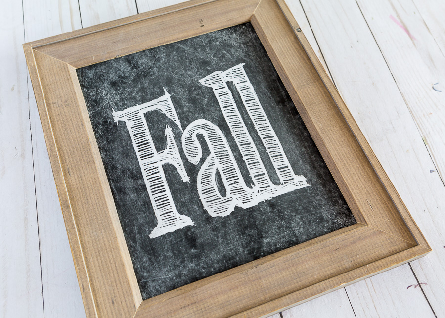 Free fall printable that says Fall in a wood frame